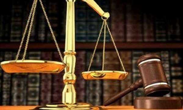 в судебной инстанции