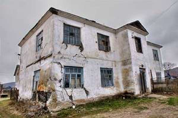 Аварийный дом - что делать, чтобы государство помогло с переселением