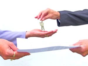 При сделках с жильем учитывается, стоял ли собственник на очереди до сделки