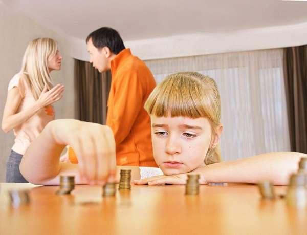с какого момента платятся алименты на ребенка