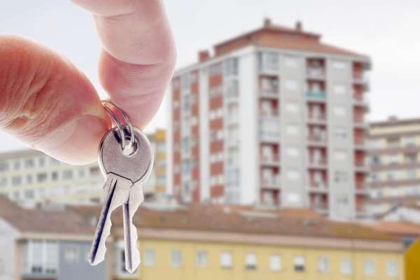 Как взять ипотеку молодой семье с ребенком на дом или квартиру: советы