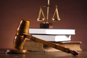 Если родители не могут решить с кем зарегистрировать ребенка - решать будет суд