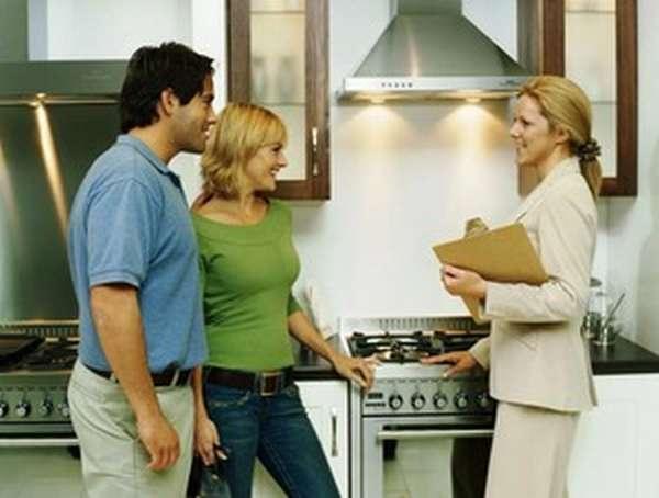 Как только будет найден подходящий квартиросъемщик, следует заключить с ним договор аренды